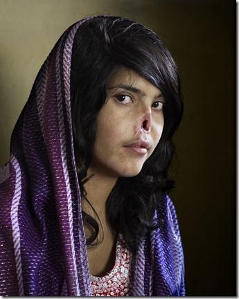 world-press-photo-best-pictures-contest-2011-jodie-bieber-portrait-afghanistan-woman_32144_600x450