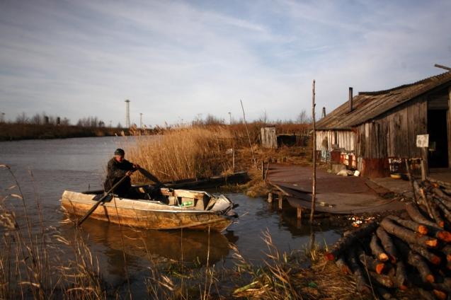 Amiran Nachkebia in his boat